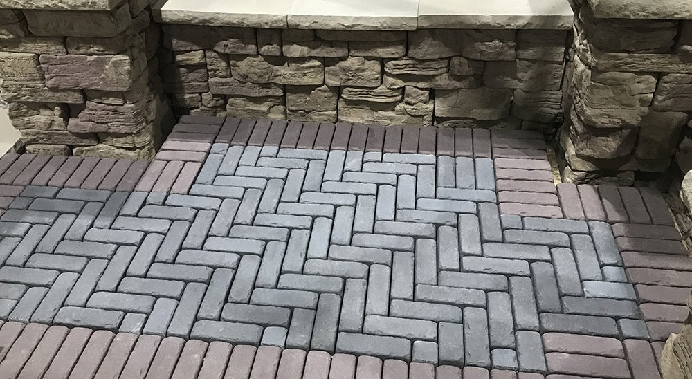 Amaro pavers in both colors with Belvedere Wall in Auburn Ridge and Rosetta Dimensional coping in sand color